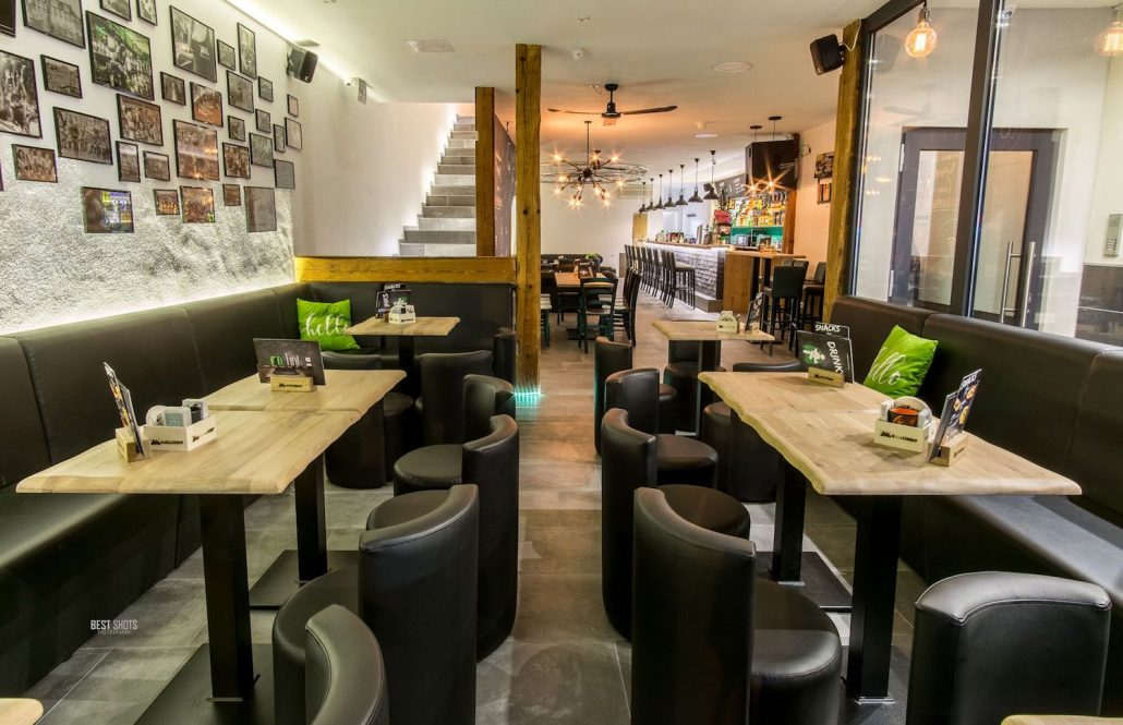 Coburg Wohnzimmer Bar