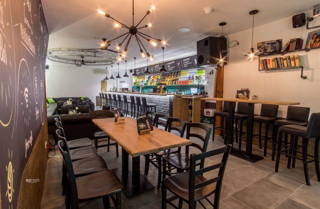 Coburg - Wohnzimmer Bar